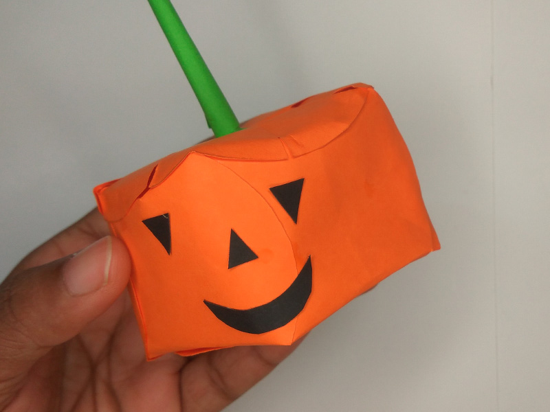 How to make Halloween pumpkin with paper